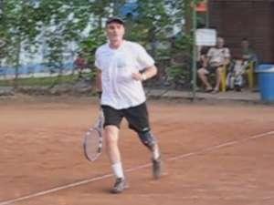 """Cristian Tudor Popescu, la turneul de tenis """"Cupa Cetatea de Scaun"""""""