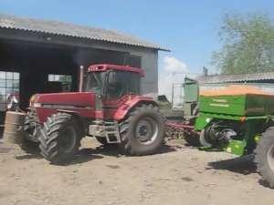 Doi nemţi au reînviat agricultura pe câmpurile de lângă Fălticeni