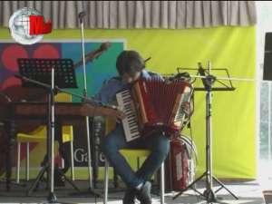 """Muzica, dansul şi voia bună, ingredientele spectacolului de sfârşit de an al elevilor de la """"Ion Irimescu"""""""