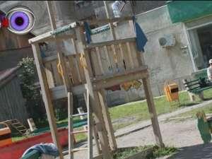 Copil de 7 ani, rănit grav la un loc de joacă