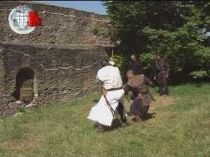 Toboşari, stegari, cascadori, trubaduri, jongleri, salve de tun, în Cetatea Sucevei