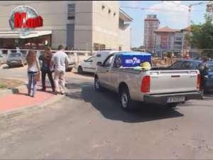Sensul giratoriu de lângă Casa de Cultură, parcare pentru şoferii cu tupeu