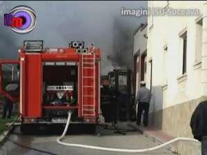 Incendiu pe strada Gheorghe Doja, unde un Ford a fost mistuit de flăcări
