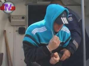 """""""Ninja"""" Vatamaniuc i-a scuipat pe ziariştii prezenţi ieri la Palatul de Justiţie"""