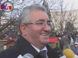 Ion Lungu a primit cadou un stilou cu care va semna proiectele de infrastructură ce vor fi demarate în 2012