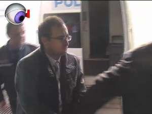 Octavian Manu şi-a dat doctoratul sub escorta poliţiştilor