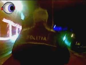 Comisarul şef Pânzariu filmat mort de beat când se urca în maşină