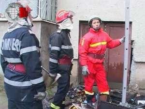 Incendiu violent şi panică într-un bloc din Burdujeni