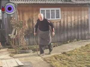 La 103 ani, terorizat de fiul de 70 de ani