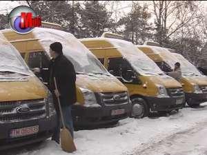 Cinci microbuze şcolare noi au ajuns ieri la Suceava