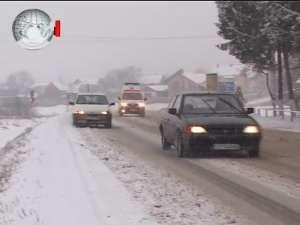Circulaţie rutieră îngreunată din cauza zăpezii