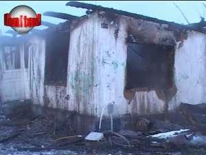 Bătrână carbonizată în incendiul care i-a cuprins casa