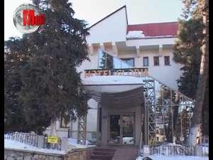 Hotelul Gloria şi Casa de Oaspeţi, scoase la vânzare pentru 3,5 milioane de euro