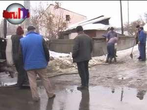 """Cartierul Iţcani, lovit de """"blestemul"""" conductelor îngheţate"""