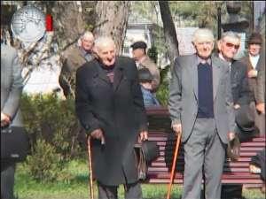 Veteranii de război şi-au comemorat colegii, la Monumentul din Parcul Central