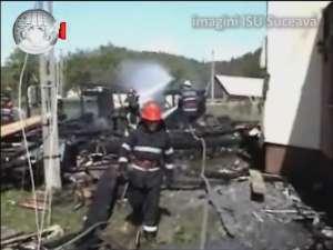 Patru răniţi într-un incendiu de proporţii, care a afectat două gospodării