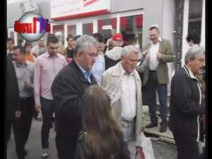 Primarul Ion Lungu a stat de vorbă cu sute de alegători, în Piaţa George Enescu
