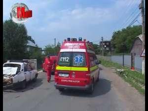 Impact teribil pentru pasagerii unei Dacii, după ce şoferul a oprit într-o zonă cu vizibilitate redusă