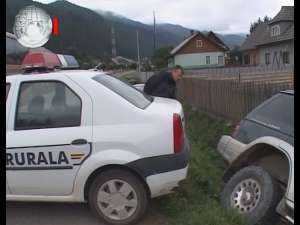Şicane în trafic şi baraj al poliţiei spart, în timpul urmăririi unui convoi de contrabandişti, cu cinci maşini de teren