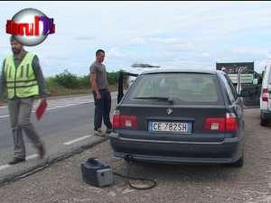 Şosele împânzite de poliţişti care trag pe dreapta maşinile înmatriculate în străinătate