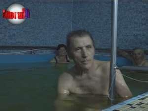 Apele sărate de la Cacica, magnet pentru bolnavi şi pentru turişti