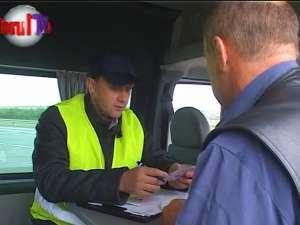 Şoselele judeţului, pline de şoferi inconştienţi cu microbuze supraaglomerate cu călători