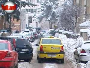 Iarna grea le-a adus clienţi buluc taximetriştilor din Suceava