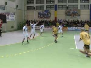 Universitatea câştigă în faţa Pandurilor după un meci în care a făcut spectacol