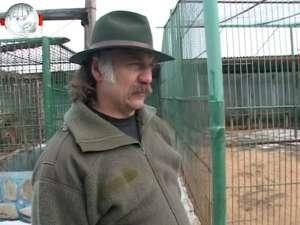 Administratorul Colţului Zoologic Ilişeşti, amendat pentru că a introdus ilegal în ţară doi crocodili