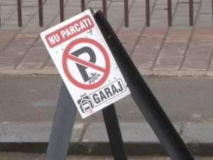 Parcare privată ilegală pe domeniul public