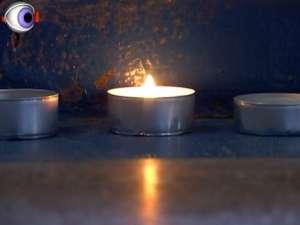 Un tânăr de 28 de ani a murit după a fost găsit cu venele ciuruite de înţepături