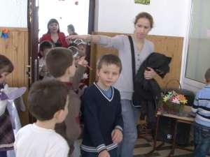 """""""Ziua porţilor deschise"""", cu surprize şi oaspeţi numeroşi, la Şcoala Gimnazială Nr. 1 Suceava"""