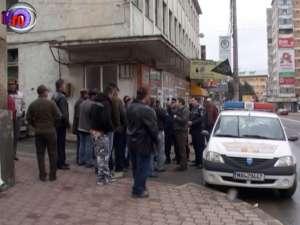 O mare ţeapă cu locuri de muncă în străinătate, reclamată de zeci de oameni la poliţie