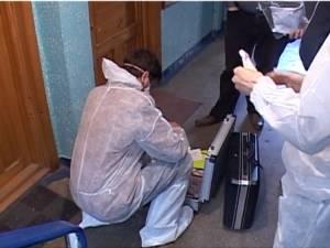 Ancheta în cazul uciderii profesorului pensionar se învârte în jurul unei fete care se mutase în casa bătrânului
