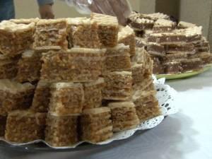 Târg de prăjituri cu scop caritabil, organizat de studenţii Facultăţii de Inginerie Mecanică