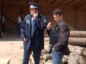 Zeci de poliţişti şi silvicultori, coordonaţi din elicopter, au demarat un amplu control în pădurile judeţului