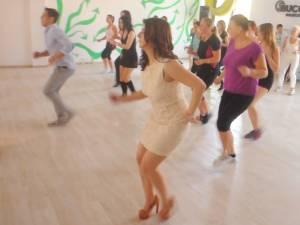Cursuri de dans modern, street dance, salsa şi zumba, la Casa de Cultură Suceava