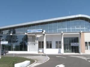 O firmă din Cătămărăşti Deal-Botoşani a câştigat licitaţia pentru modernizarea pistei şi a balizajului la aeroportul Salcea