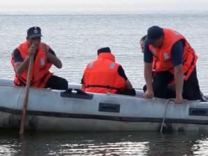 Un tânăr de 17 ani s-a înecat  în iazul Lipoveni