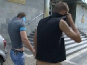 L-au violat în baia de la Kaufland, după care l-au dus în spatele magazinului Albina, l-au bătut şi l-au abuzat sexual din nou