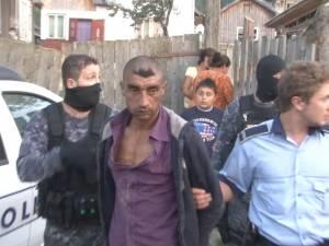 Mascaţii Poliţiei, mobilizaţi la Mironu, unde doi soţi au fost loviţi şi tăiaţi cu o coasă, de un nepot