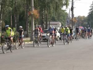 Zeci de iubitori ai sportului pe două roţi şi-au dat întâlnire, sâmbătă, la Marşul bicicliştilor