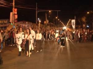 Paradă cu făclii, pe străzile Sucevei