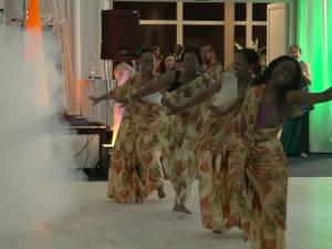 Nepotul interpretului Alexandru Dumbravă s-a căsătorit cu o tânără din Rwanda
