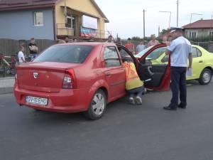 O şoferiţă de 57 de ani, băută, s-a izbit violent într-un taxi