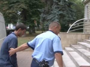 Tâlharul care ataca femeile în stradă, prins după mobilizarea la pândă a zeci de poliţişti