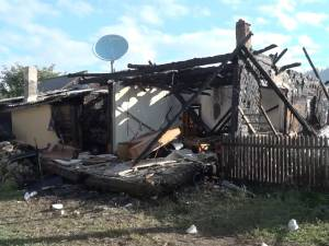 Un bărbat a ars ca o torţă în propria casă, după o explozie de la o acumulare de gaze