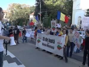 Proiectul de la Roşia Montana, contestat şi pe străzile din Suceava
