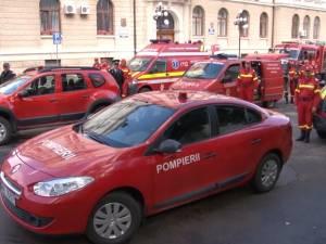 Pompierii şi-au sărbătorit ziua cu o prezentare a celor mai noi autospeciale pentru situaţii de urgenţă