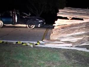 Un tânăr mort, alţi trei răniţi, din cauza unui inconştient care conducea un tractor cu remorcă nesemnalizată